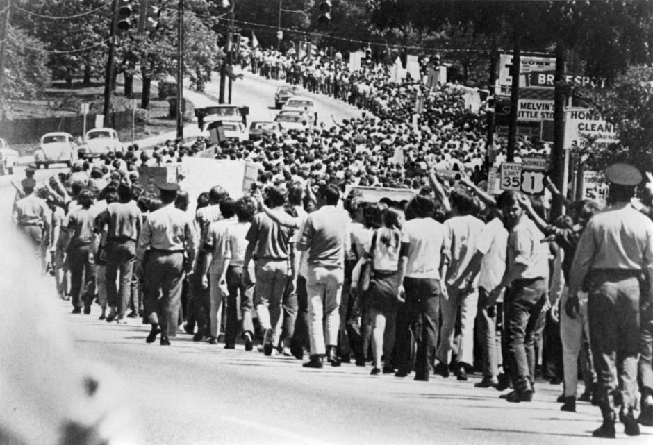 NC State, Duke, and Carolina students marching on Capitol to protest the Kent State massacre and the US military expansion into Cambodia, May 8, 1970