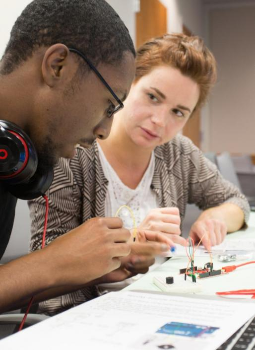 students at NCSU Libraries circuitry workshop