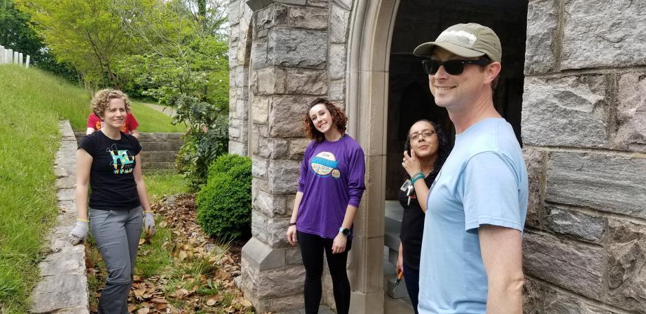 Library Staff Volunteer at Raleigh's Oakwood Cemetery | NC