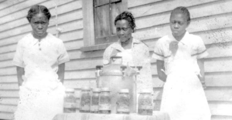 Early Extension canning work with African American women, 1920s