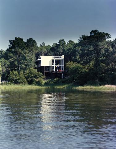 Wainwright Beach House, Bogue Banks, Emerald Isle, NC, Frank Harmon Architect, 1984