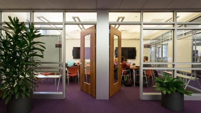 Group Study Room - Medium