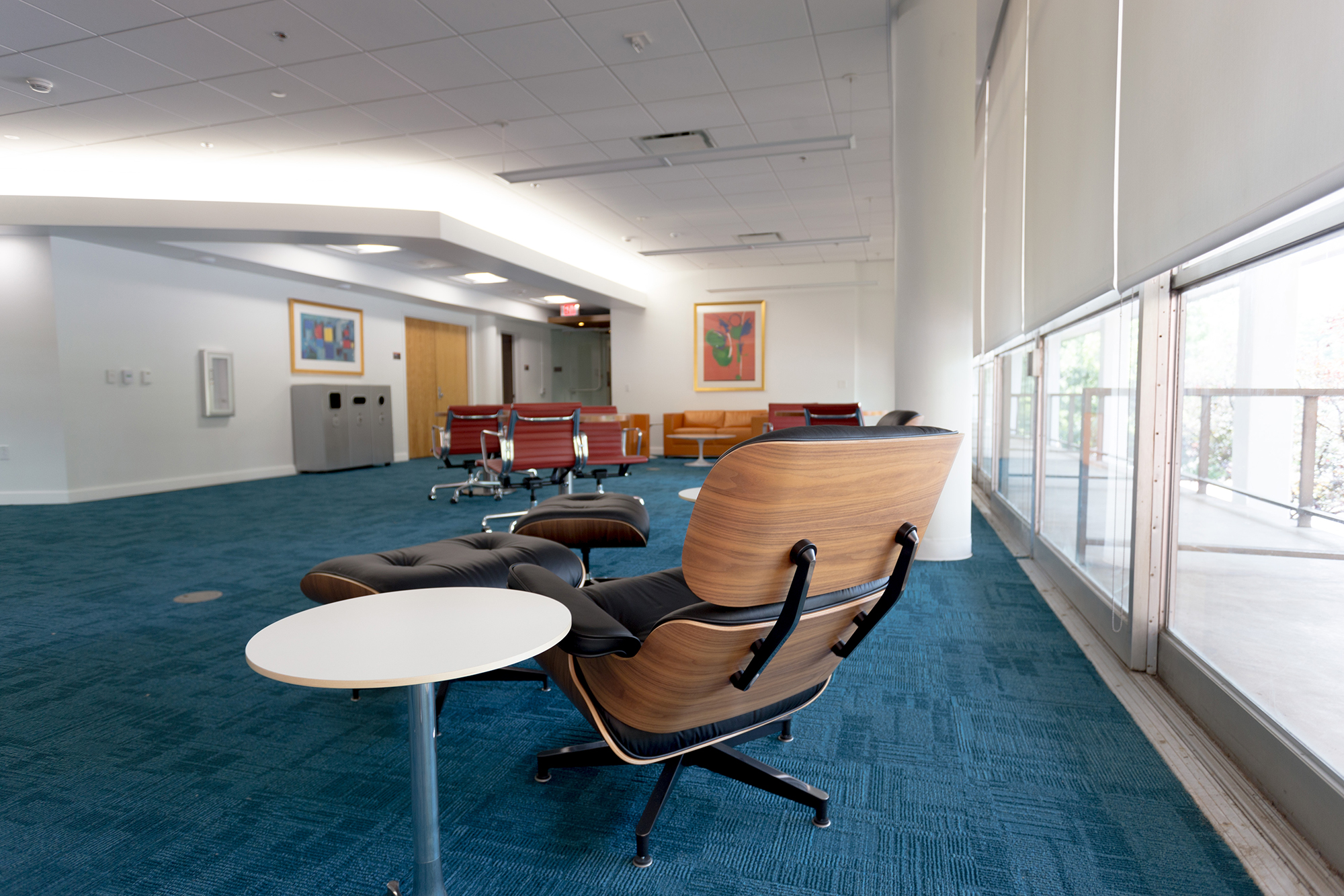 Chairs and tables in the faculty research commons